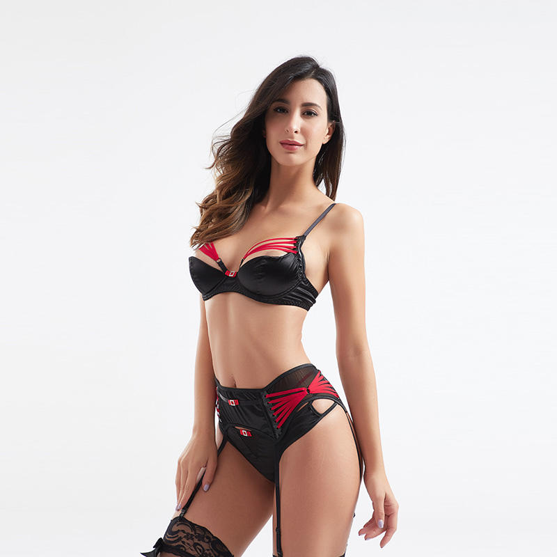 Fashionable sexy contrast color three-piece set garter underwear BSQ185